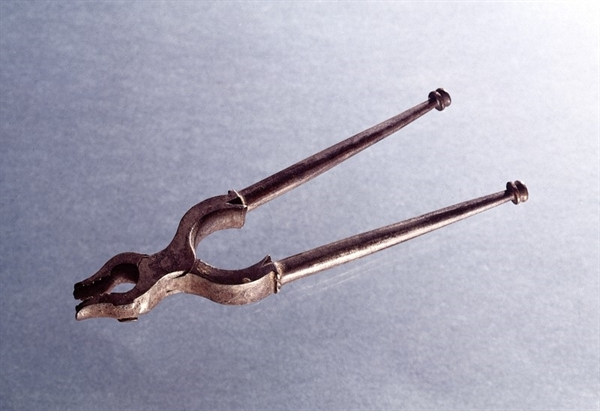 You'd certainly have to 'open wide' for these 17th century Italian dental forceps.